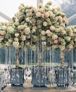 Photo byTec Petajawith planning byCalder Clarkand floral design byBlossoms Events